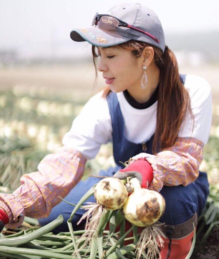 玉ねぎ農家 美人女子