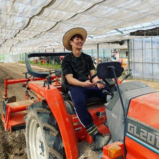 農業男子 トラクター