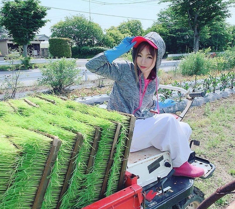 農業女子 トラクター
